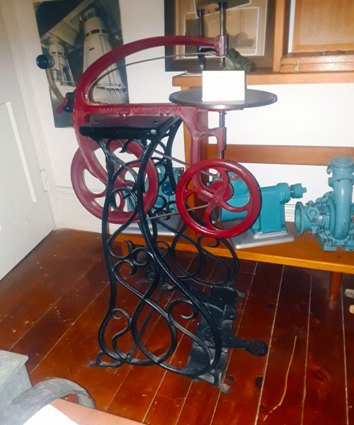 foot-powered-scroll-saw